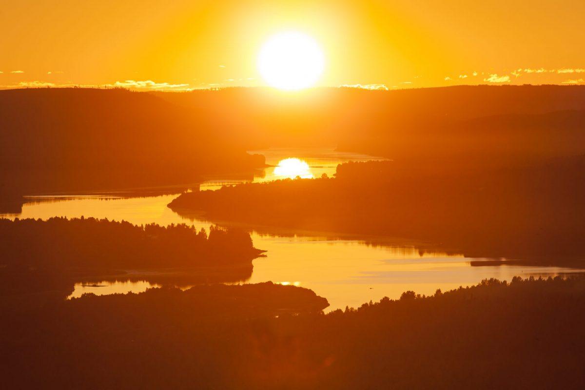 midnight-sun-rovaniemi-lapland-finland
